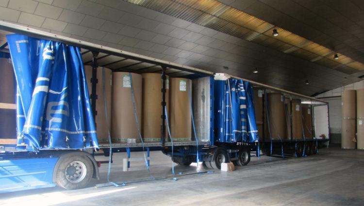 Logística Integral Berrio recibe el primer Mega-Camión de bobinas de papel en su almacén de Valencia
